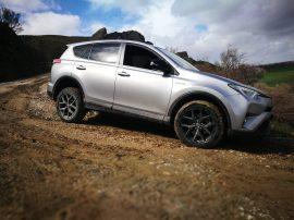 Toyota RAV4 Hybrid Lateral