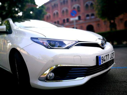 Luz diurna Toyota Auris Hybrid