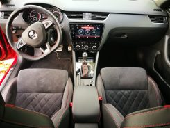 Interior Octavia RS 245