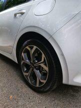 Llantas de 17 pulgadas con neumáticos en medida 225/45/17