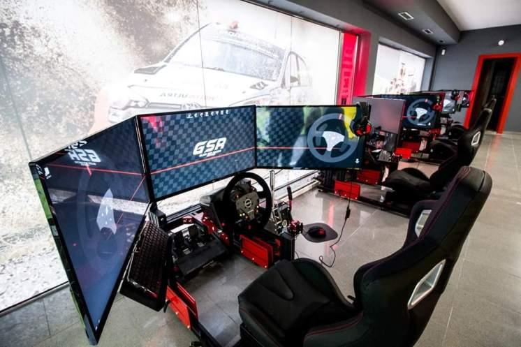Cockpit para simulación con triple monitor