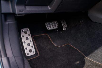 Subaru XV ECO HYBRID interior (54)