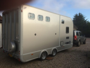 horse trailer towing service