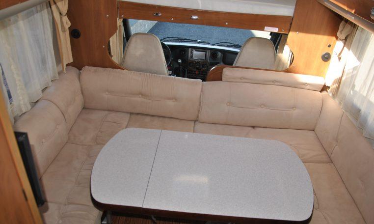 Camper Mansardato Laika Kreos 3002  Caravanbacci Laika Kreos 3002 classico mansardato laika
