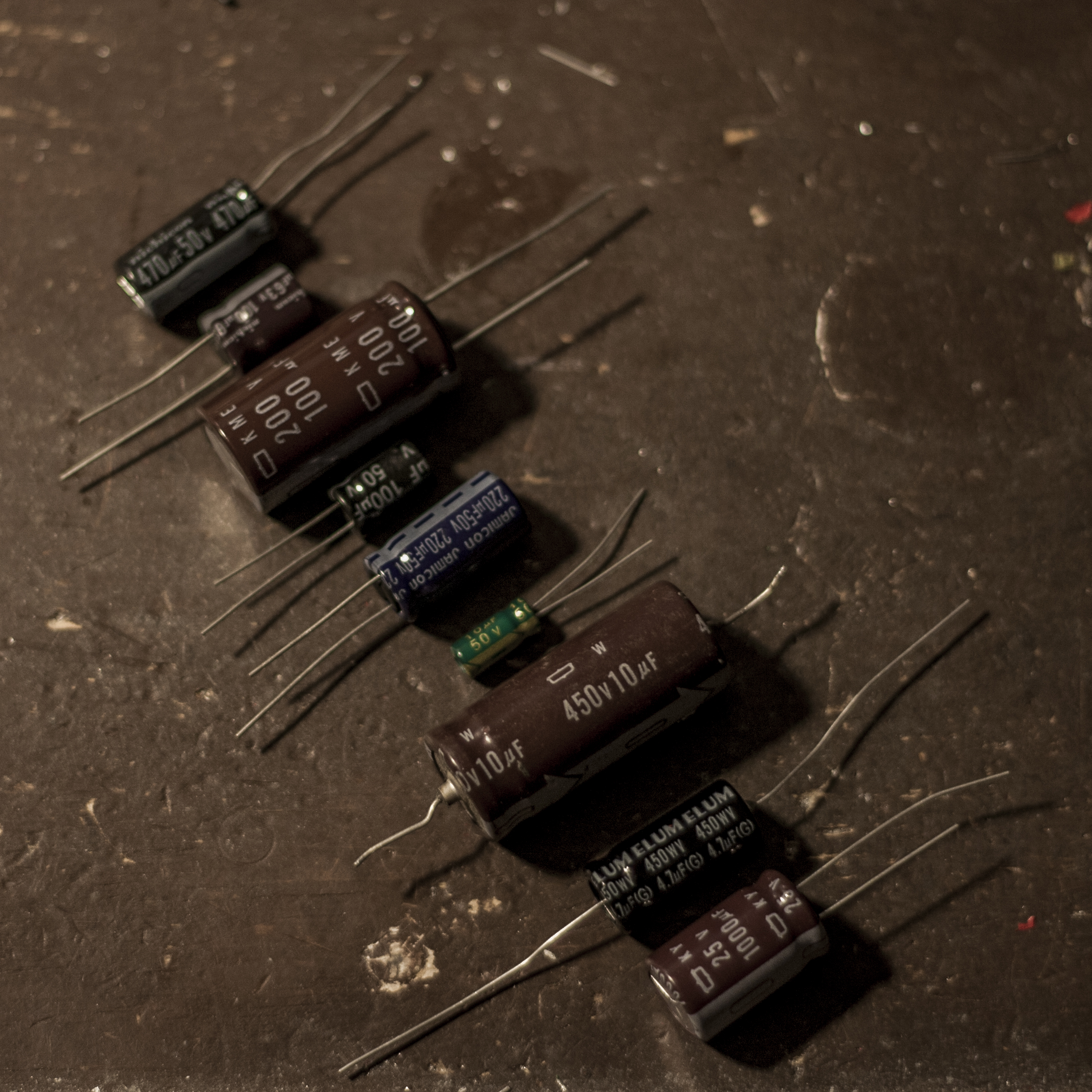 Capacitors Or How I Learned To Stop Worrying And Love The Ceramic Do Work In A Circuit Electrolytic Electro Caps Are Second Worst Kind But Theyre Only Option For Values Above 10 Uf Why They Suck
