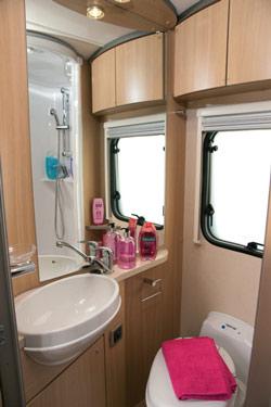 E695 washroom
