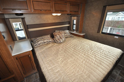 Spacious-double-bedroom-inside-Thor-Ace-27.1