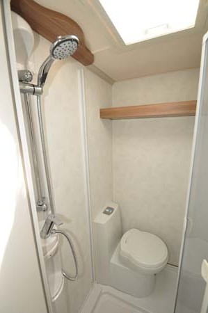 Swift Challenger Sport 514 Shower