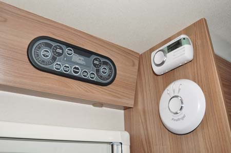 Swift Escape 696 heating controls