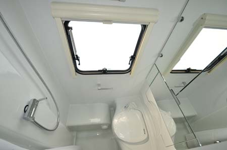 Adria Altea Eden 472DS Washroom