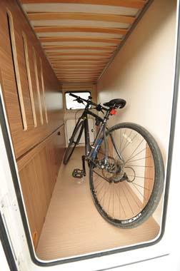 Itineo SB700 motorhome garage