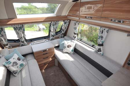 Swift Challenger 530 Lounge