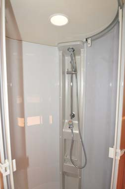 Knaus Sun TI 700M Shower_1