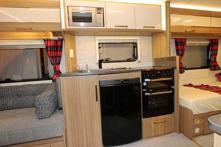 Lunar Lexon 570 Kitchen