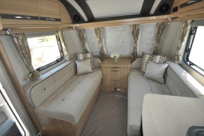 Coachman Pastiche 545 lounge
