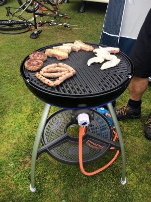 Cooking on gas barbecue