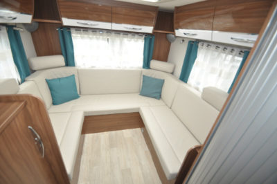 Pilote Galaxy 650U Sensation Motorhome lounge