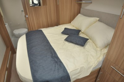 Lunar Quasar 674 Double Bed