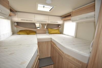 Hymer MLT57060 Beds