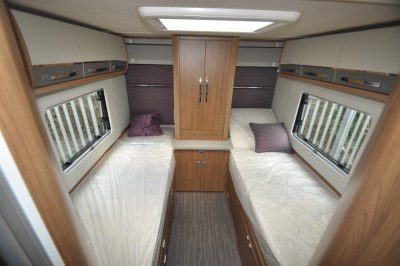 Auto Trail Comanche S Lounge beds