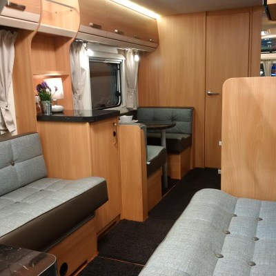 Knaus Star Class 550 Lounge through to dining