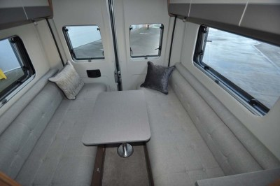 Auto-Trail Tribute 680 Lounge