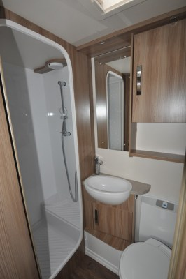 Swift Challenger 590 shower room