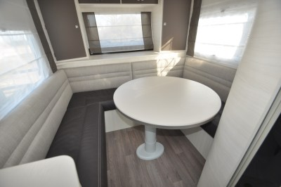 Chausson TravelLine 711 Motorhome Dining