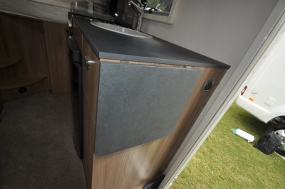 Swift Escape Compact C205 Extendable work top
