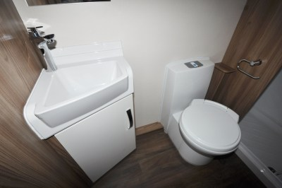 2019 Swift Sprite Super Quattro DB caravan washroom