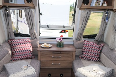 2019 Bailey Phoenix 420 caravan lounge