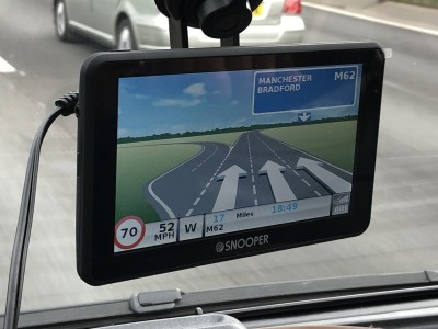 Snooper S6900 sat nav motorway lane display
