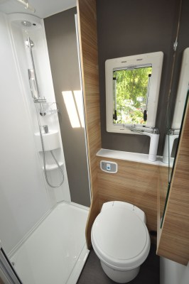2020 Adria Sonic Axess 600 SL motorhome washroom