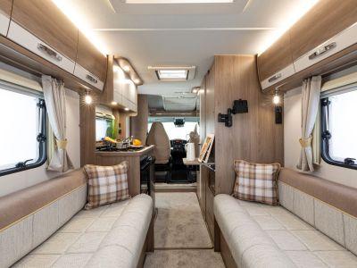 2021 Compass Navigator lounge