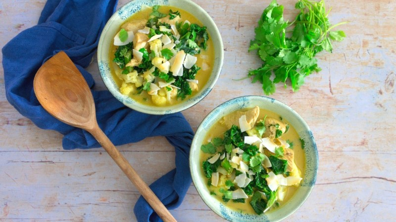 Curried chicken and cauliflower soup