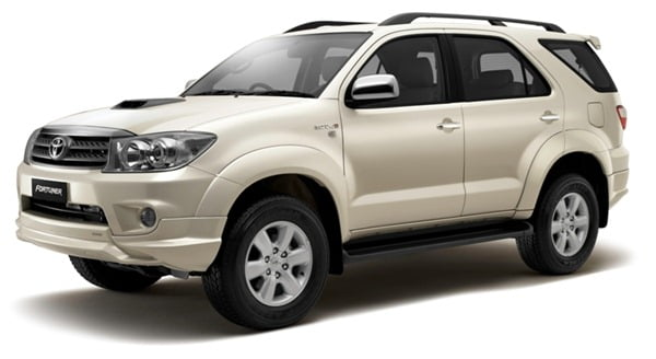 toyota-fortuner-anniversary-edition-front