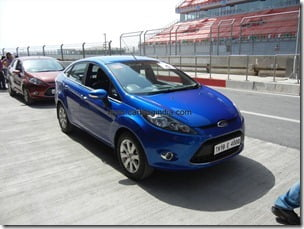 Ford Fiesta 2012 PowerShift Automatic Track Test Drive Review (11)