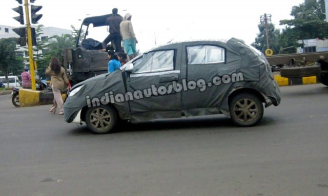 2014-Tata-Vista-facelift-spied-side-1024x613