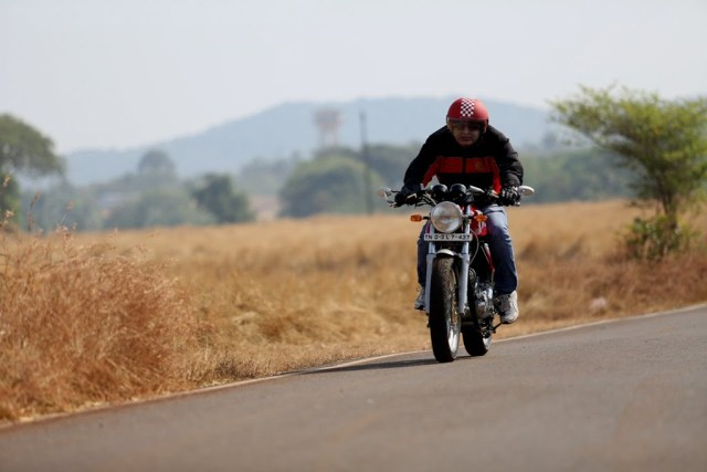 Royal Engield Continental GT Test Ride Review (2)