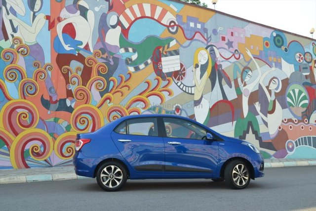 Hyundai Xcent Review By Car Blog India Car Experts (2)