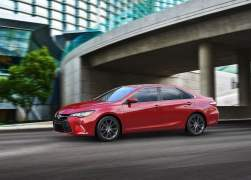 2015 Toyota Camry Front Left