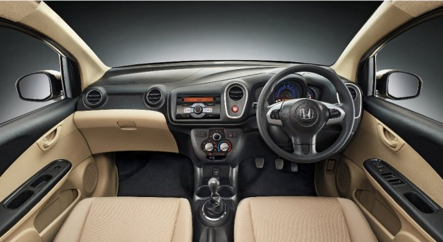 Honda Mobilio Interior Dashboard
