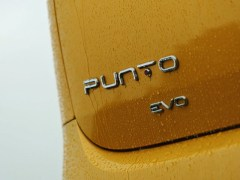 fiat-punto-evo-petrol-diesel-90-hp-first-drive-ride-road-test-review-india-zigwheels-19072014-g22_640x480