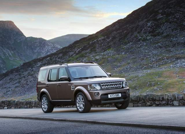 2015 Land Rover Discovery Front Right Quarter