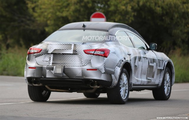 2016-maserati-levante-test-mule-spy-shots_100477826_h