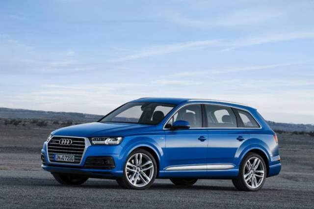 2016-Audi-Q7-Images-Front-Angle