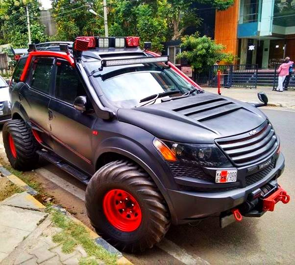 XUV500 INtrepid front angle