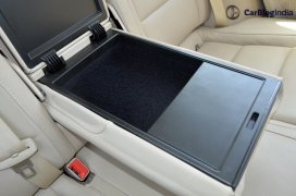 skoda-superb-diesel-automatic-review-india-pics-armrest