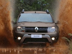 2015-Renault-Duster-facelift-grille-Brazil-pics