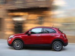 fiat-500x-india-pics-red-side